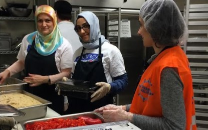 Pacifica Volunteers Served Food to Homeless and Hurting Women